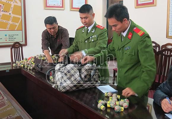 Pháo cấm tràn về Việt Nam… đón Tết ảnh 1
