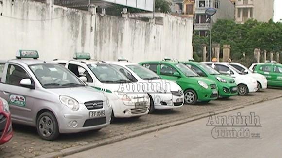 """Hà Nội: """"Taxi dù"""" hết cửa làm ăn bên ngoài bến ảnh 1"""